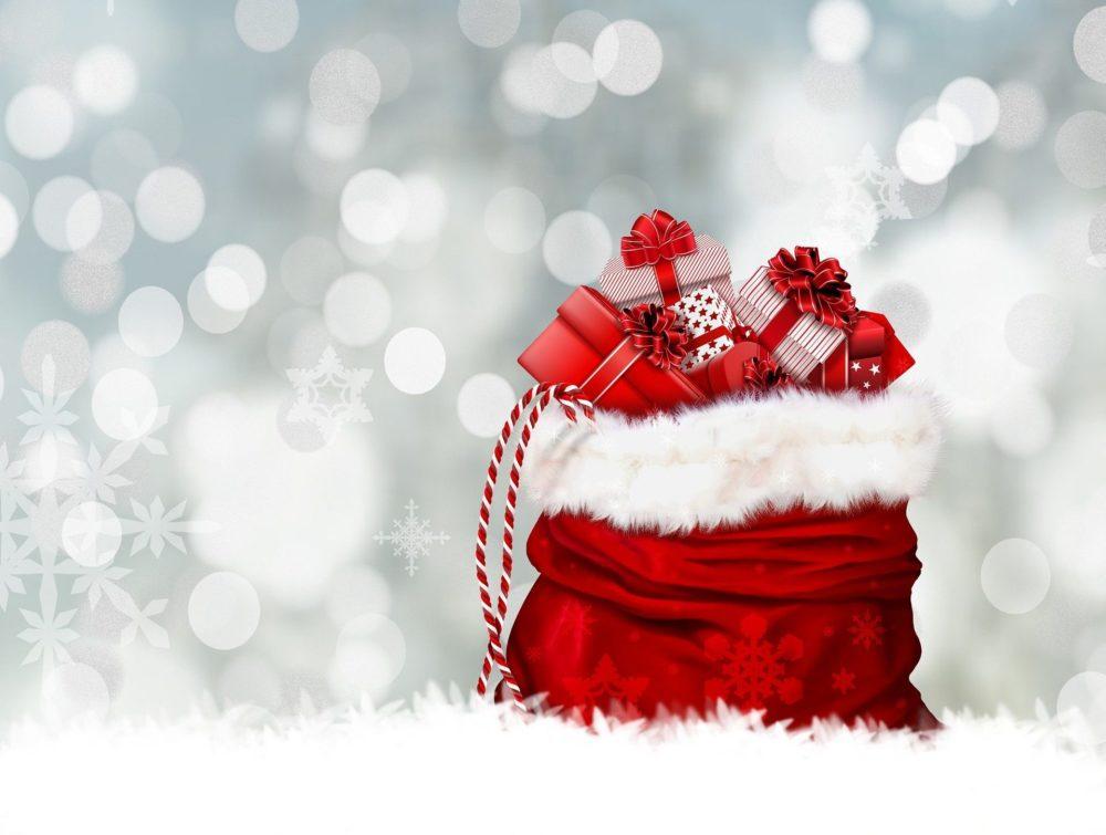 Idee Regali Di Natale A Basso Costo.Regali Di Natale Regali Per Lei Sotto I 10 Beauty Edition Fashionably